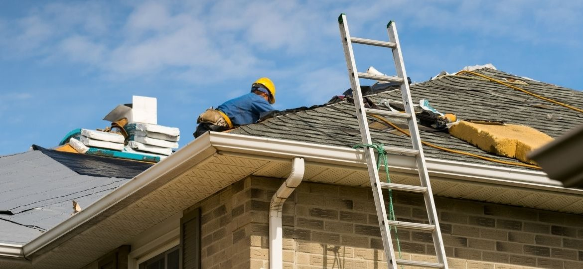 4 Effective Ways To Save Money When Installing a New Roof