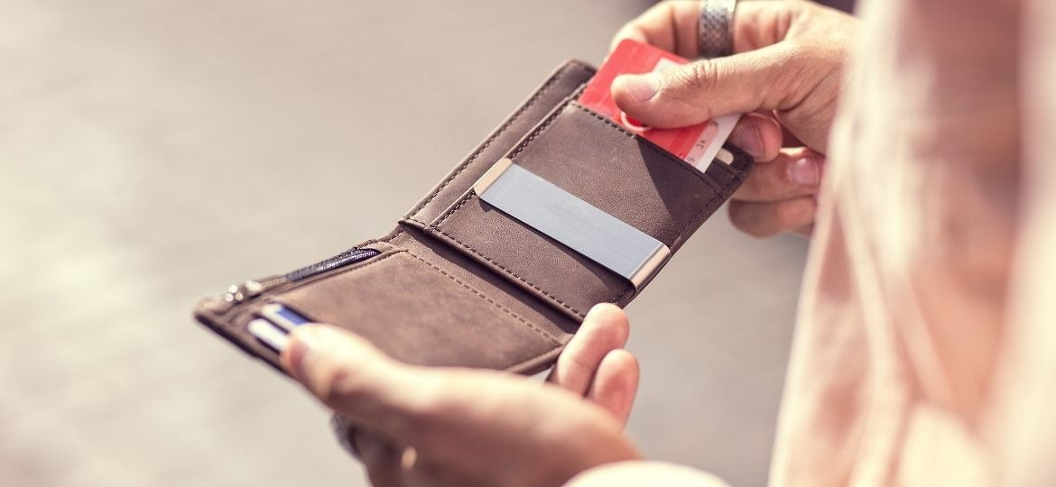 What You Should Never Carry In Your Wallet